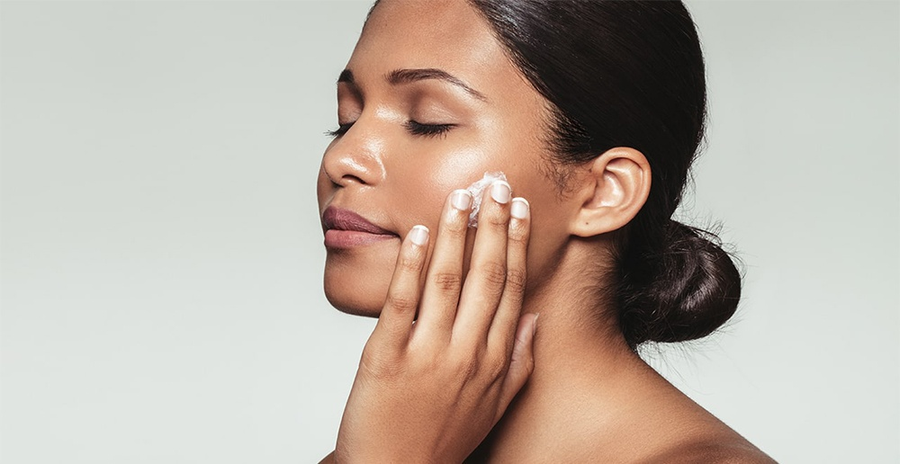 Use of moisturizer for oily skin